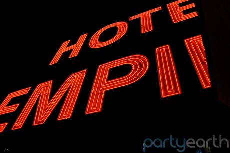 2012-11-28-empirerooftophotel.jpg