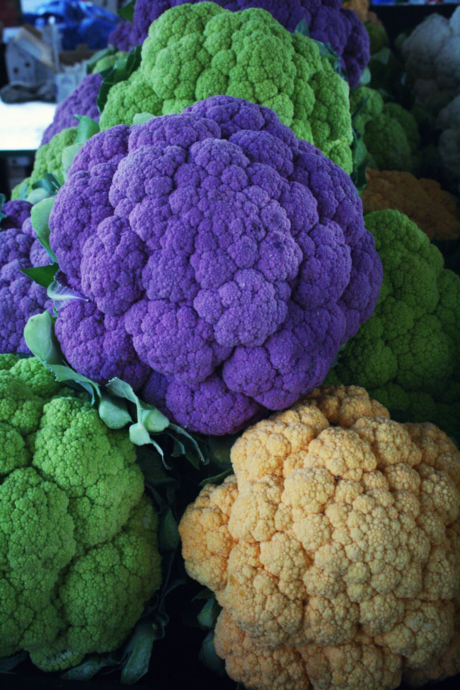2012-11-29-JeanTalonMarketrainbowcauliflower2.jpg
