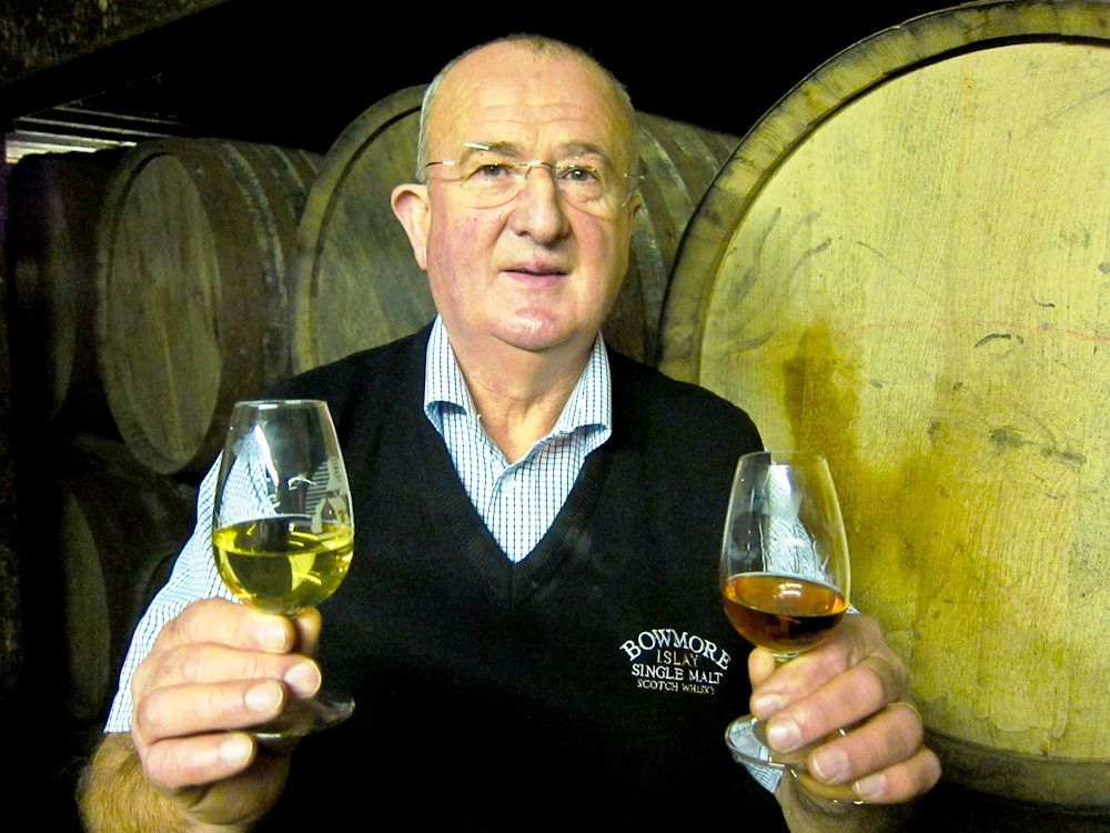 2012-11-30-EddieMacAfferwith2whiskies.jpg