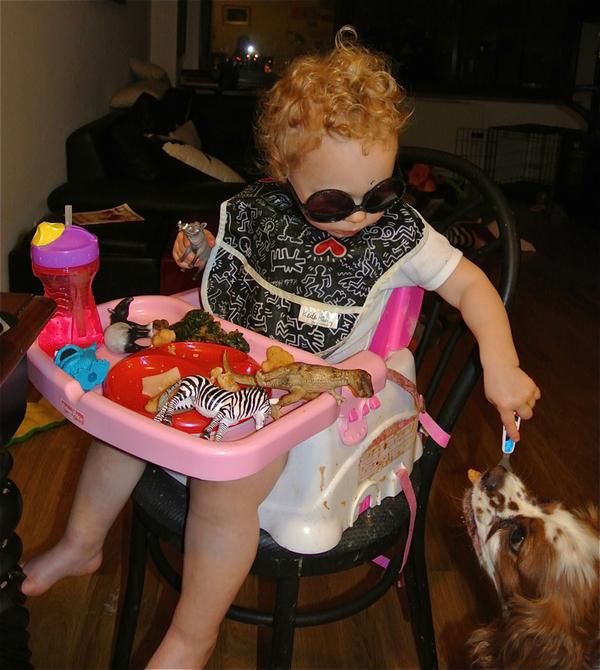 2012-12-06-toddlerforkdinner3.jpg