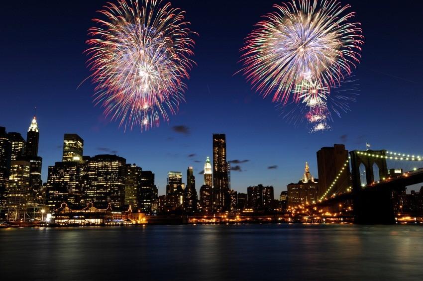 2012-12-11-NYCfireworks2.jpg