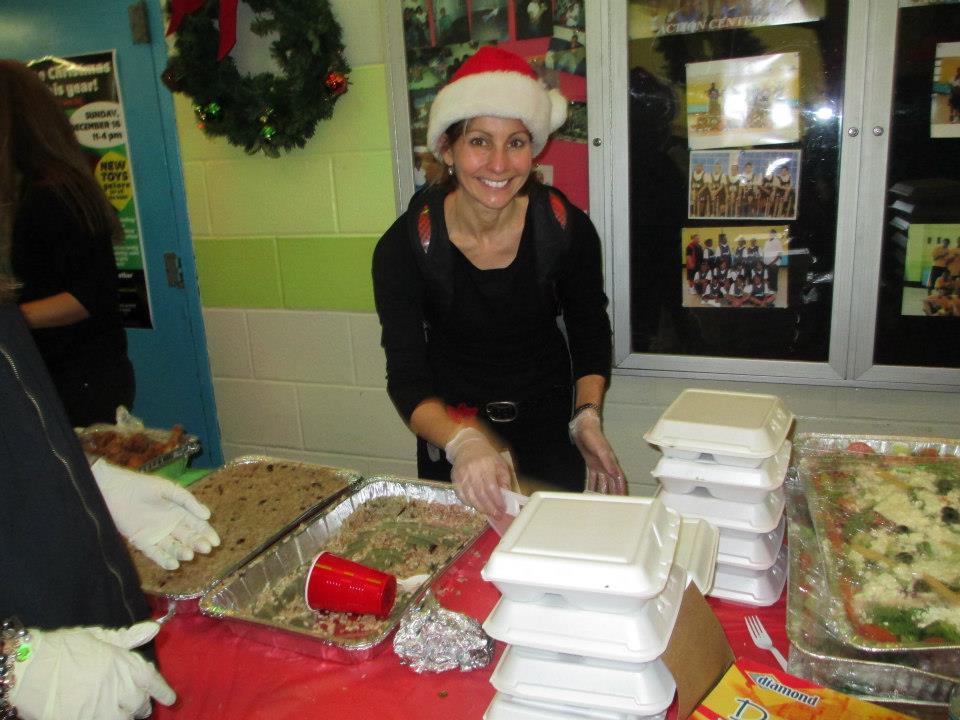 2012-12-18-Servingfood3_n.jpg