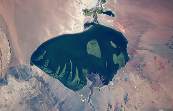 2012-12-18-kisalala-images-guy-laliberte-space-MongoliawesternregionLakeHurUsNuurLaliberte.jpg