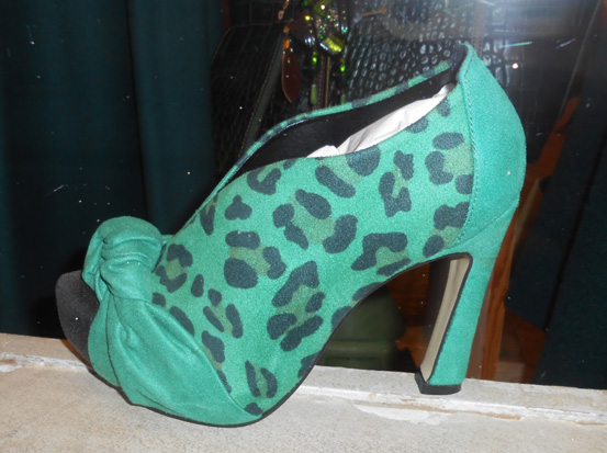 2012-12-21-photo26greenleopardfantasyplatformlres.jpg