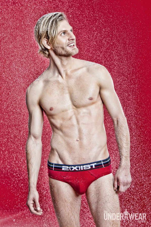 2012-12-22-MensRedUnderwear15.jpg