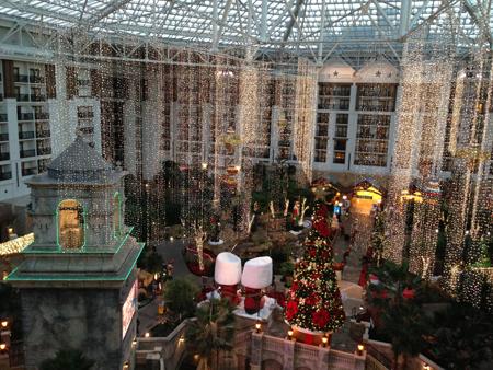 2012-12-22-images-ChristmasCapital.jpg