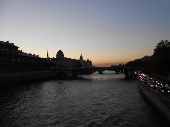 2013-01-03-parisseineriverwbridgeatsunsetlowres.jpg