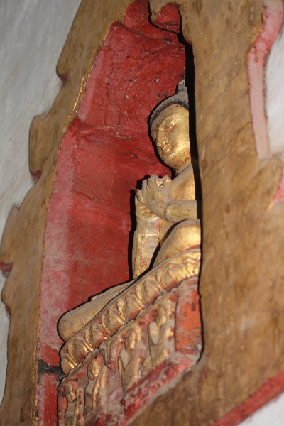 2013-01-10-BuddhainnicheAnandaTemple400x600.jpg