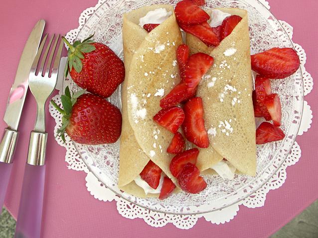 2013-01-10-strawberrycrepes1.jpg