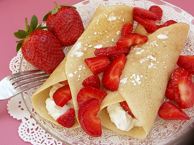 2013-01-10-strawberrycrepes2a.jpg