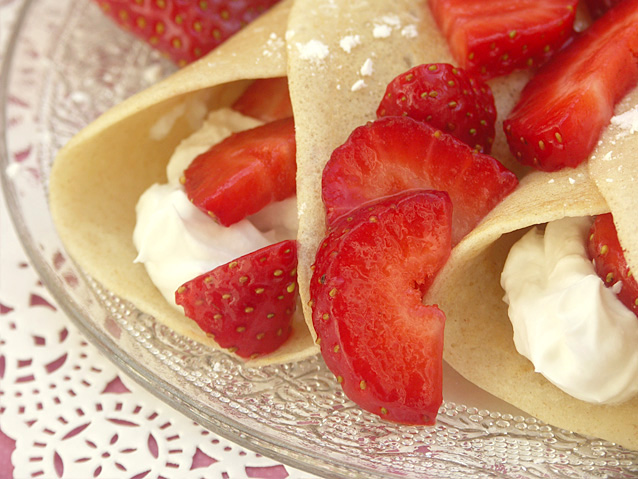 2013-01-10-strawberrycrepes3.jpg