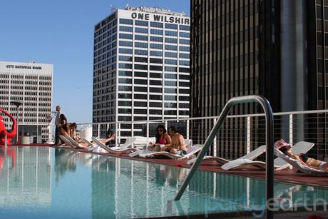 2013-01-11-RooftopBarattheStandardDowntown_Huffington.jpg