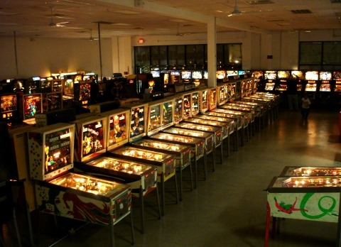 2013-01-28-pinballhallemgames_0.jpg