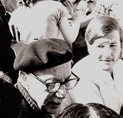 2013-01-29-GrouchoBruinWalkMe3.jpg