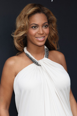 2013-02-04-Beyonce.jpg
