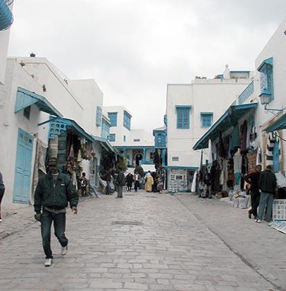 2013-02-05-TunisiasTouristicSidiBouSaidfeelsfinancialpinchAbuFadil.jpg