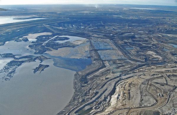 2013-02-12-AlbertaTarSandsccNWF2010600wide.jpg