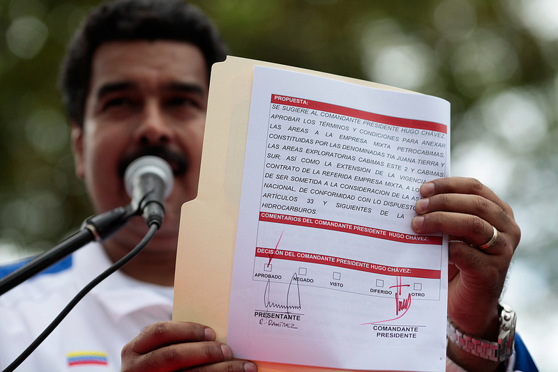 2013-02-12-Chavez_signature-8446843829_29cf981b33_c.jpg