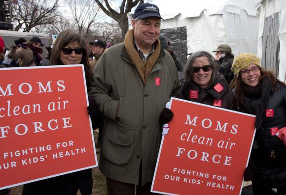 2013-02-19-Sen_Whitehouse_momscleanairforce.jpg