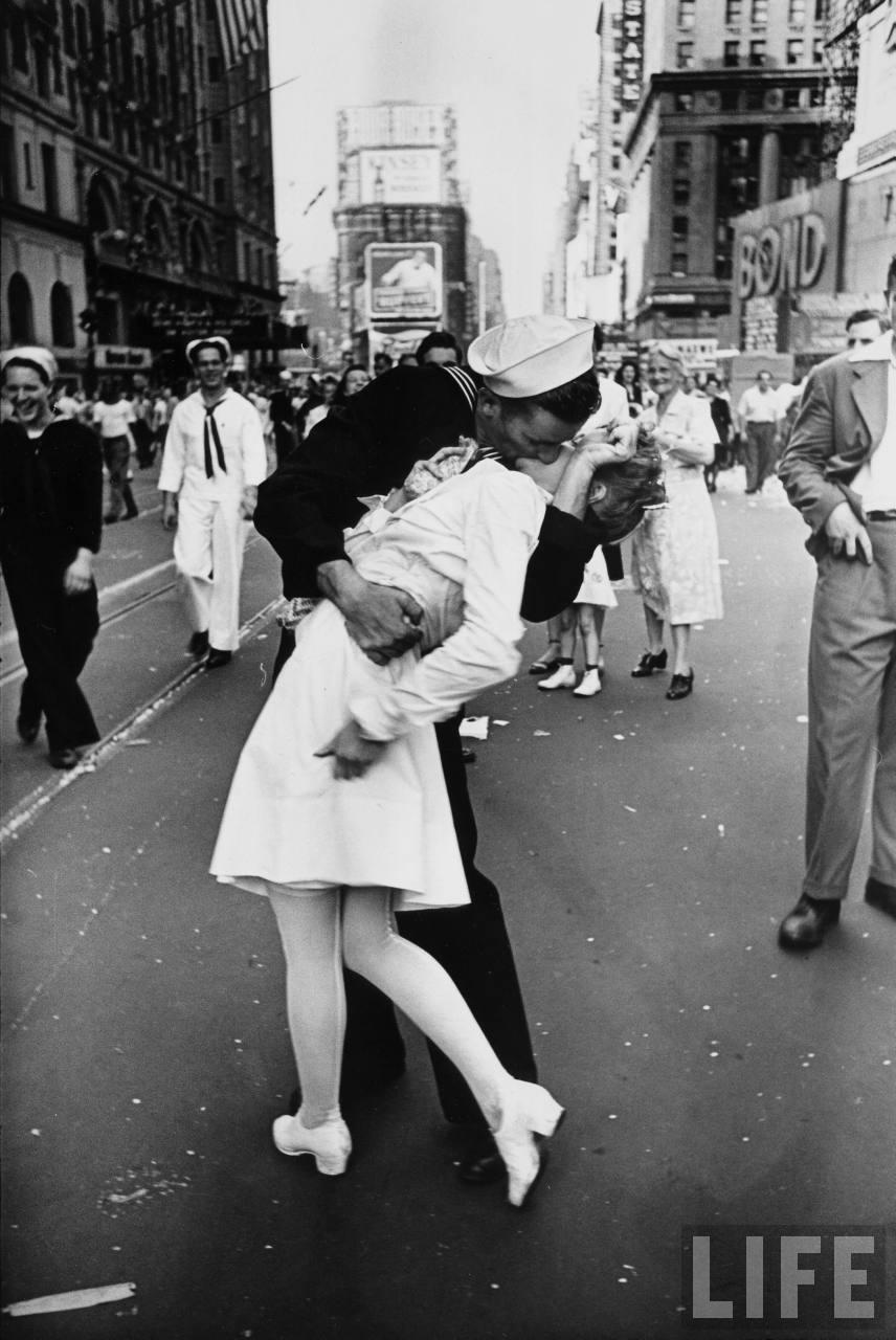 2013-02-22-vj_day_kiss.jpg