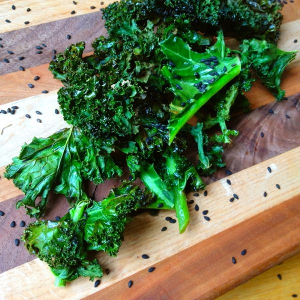 Crispy Kale Chips With Black Roasted Sesame Seeds | The Huffington ...