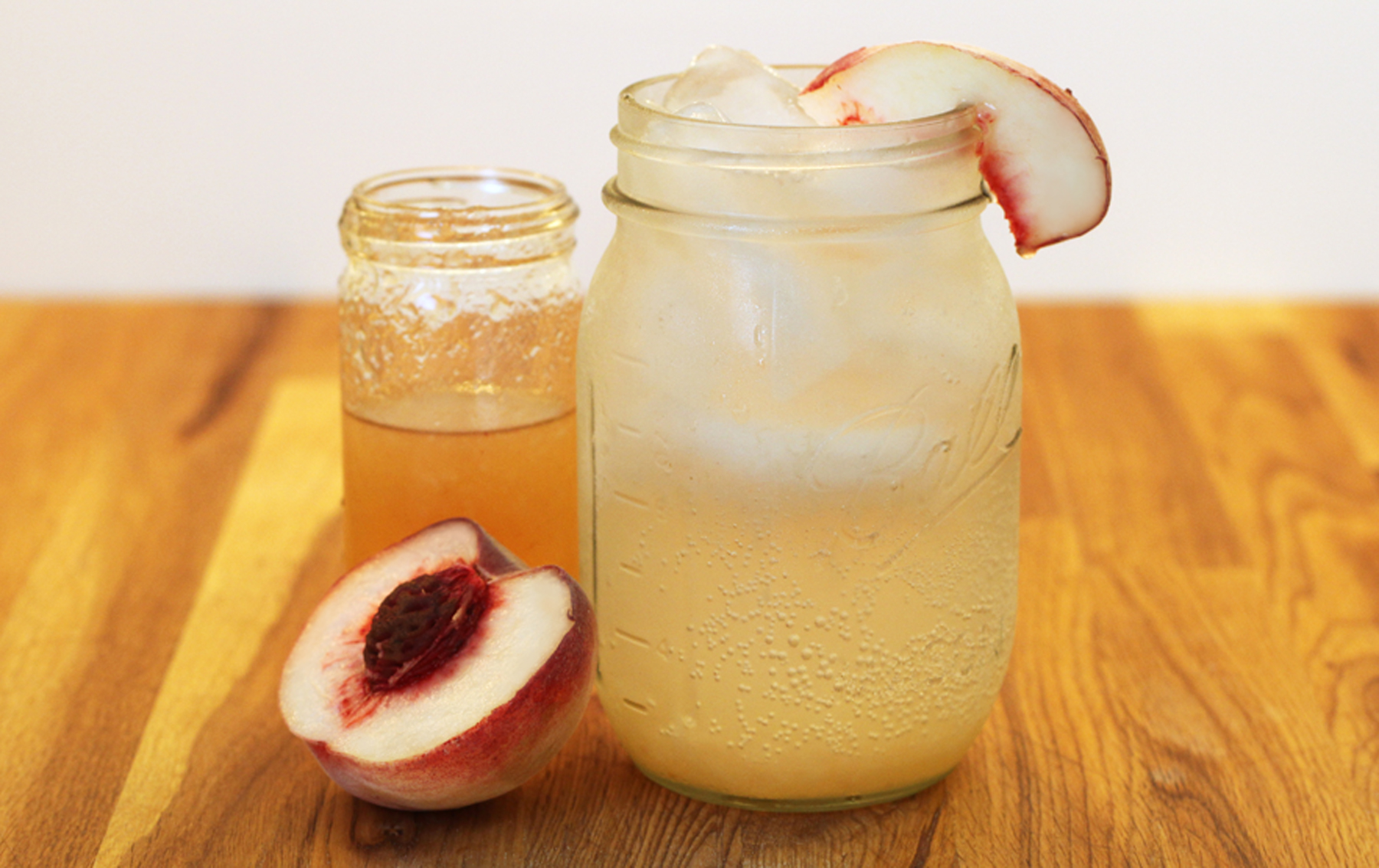 2013-02-26-peach_shrub_soda1.jpg