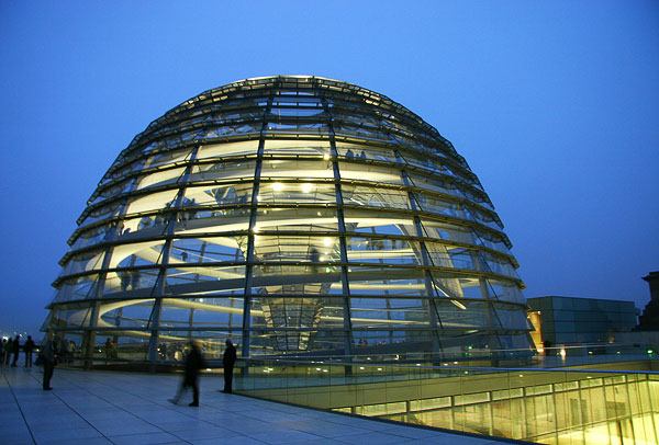 2013-03-08-011013_ReichstagDome_LV.jpg