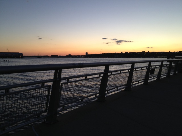 2013-03-08-SUNSETOVERTHEHUDSONmed.jpg