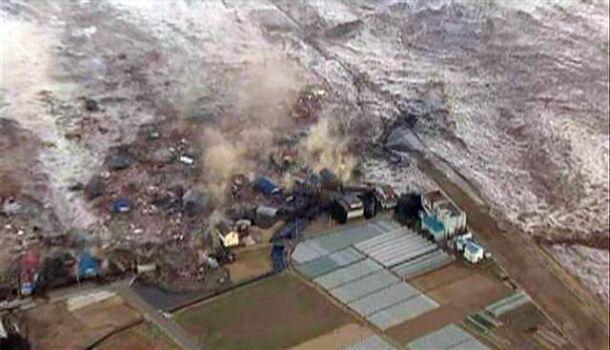 2013-03-10-Japan2011Tsunami.jpg
