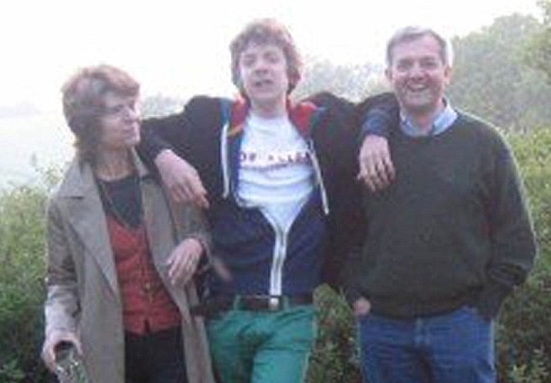 2013-03-11-PeterHwithparents.png