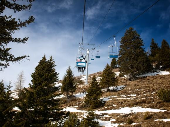 2013-03-18-skiing_grass580x434.jpg