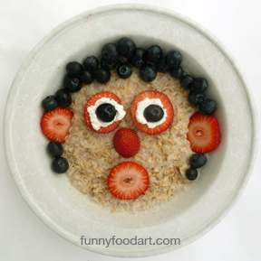 2013-03-29-Berries_and_oatmeal_FFA.jpg