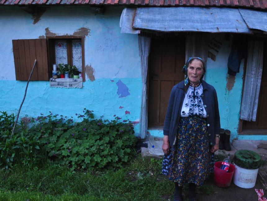 2013-04-01-kisalala-new-nomads-Romania0700Varvara2.jpg