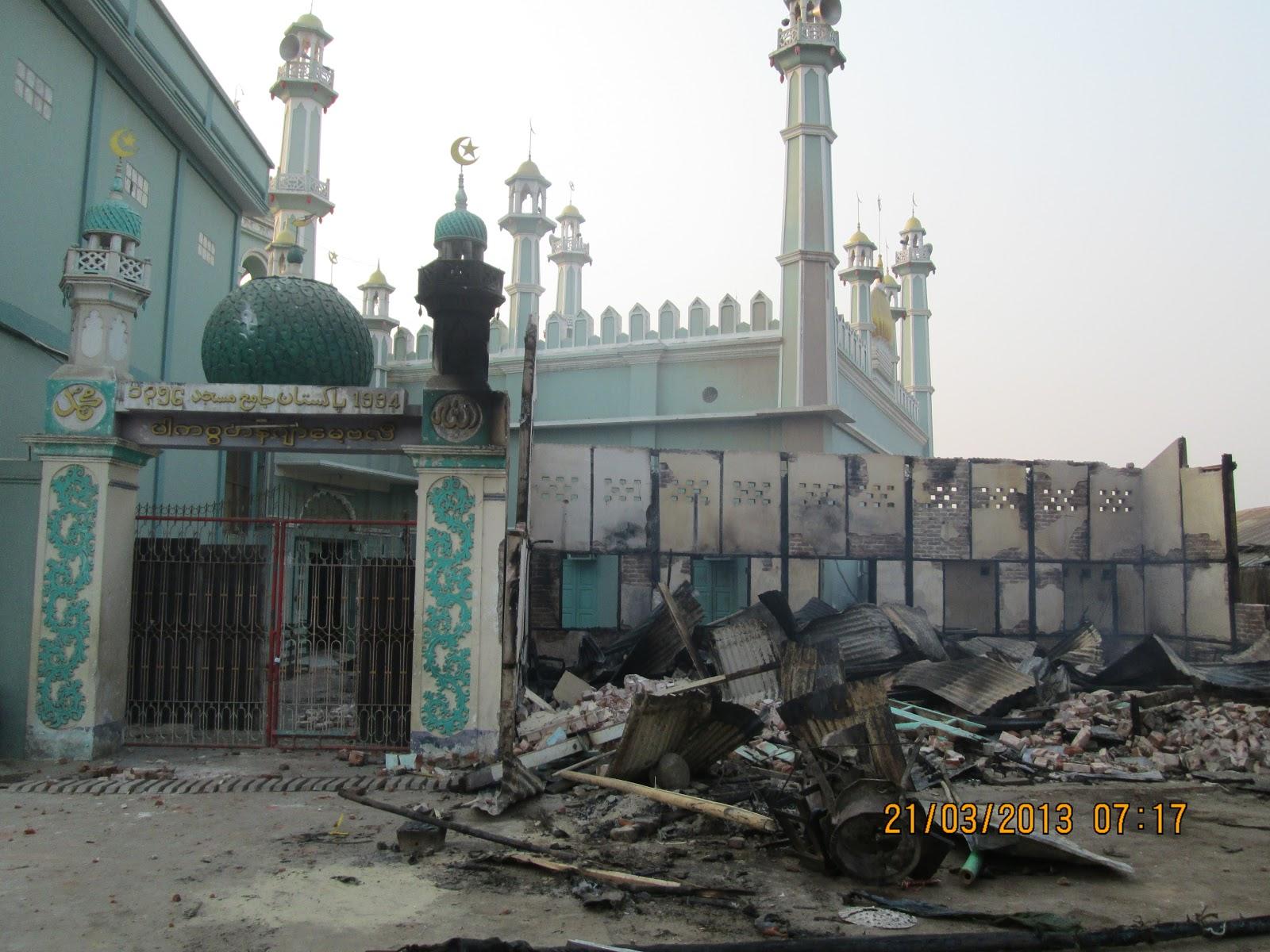 2013-04-03-mosque1.jpg