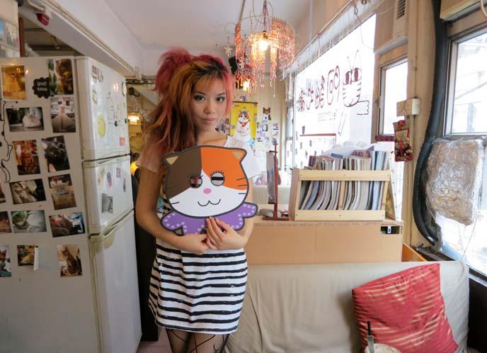 2013-04-07-la_carmina_cat_cafe_hong_kong_causeway_bay_cats_restaurant.jpg