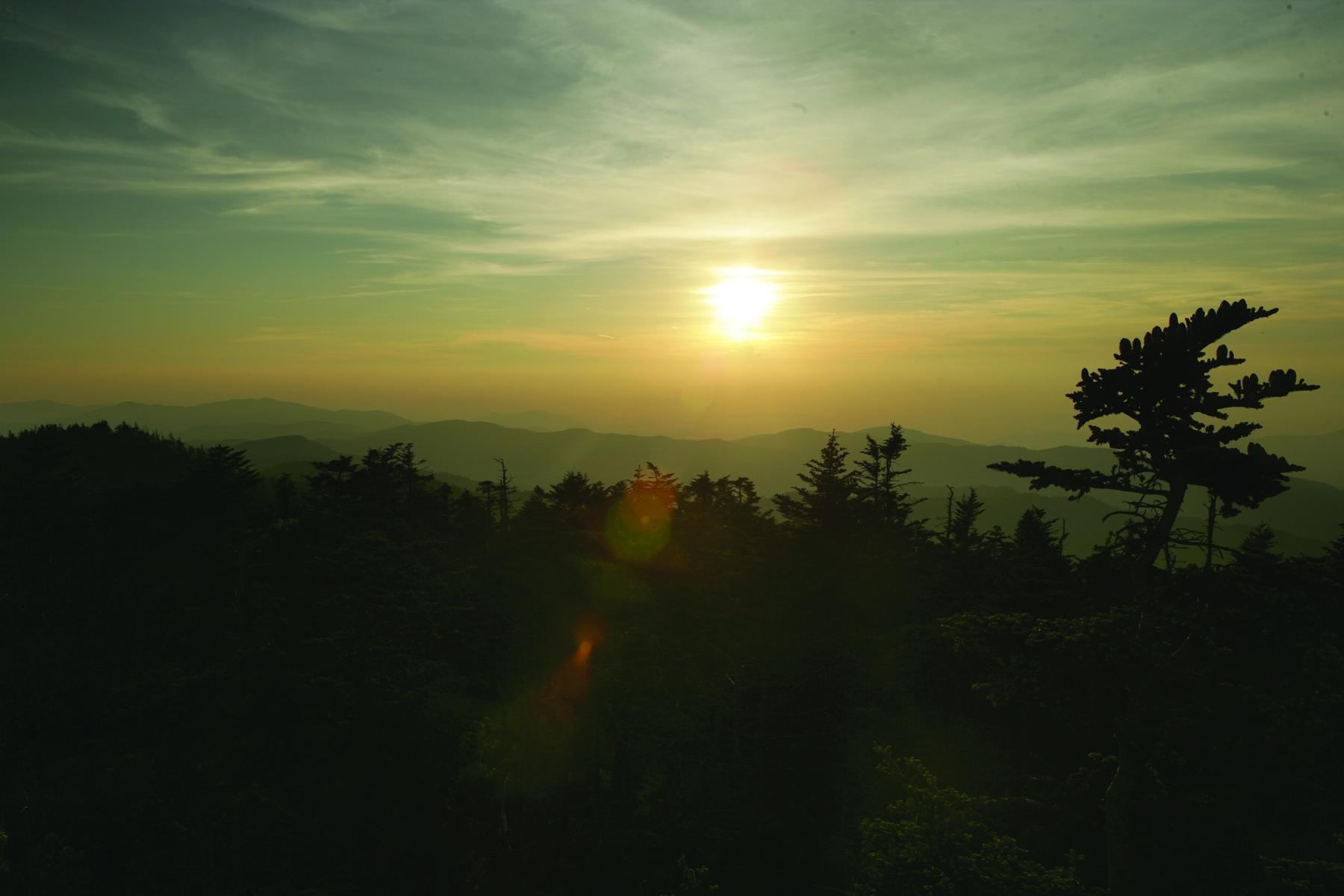 2013-04-08-SunsetClingmansDomeJRV.jpg
