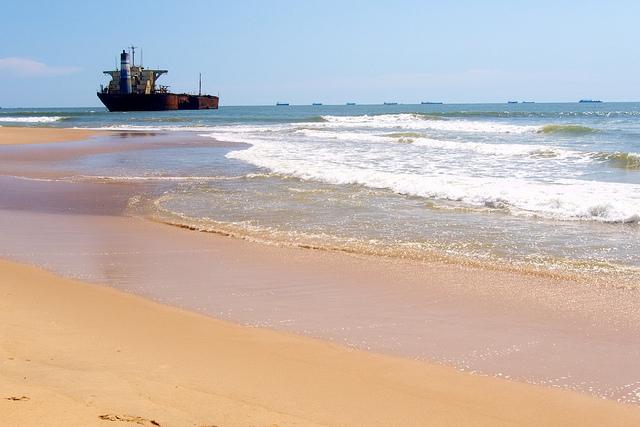 2013-04-08-beachedship.jpg
