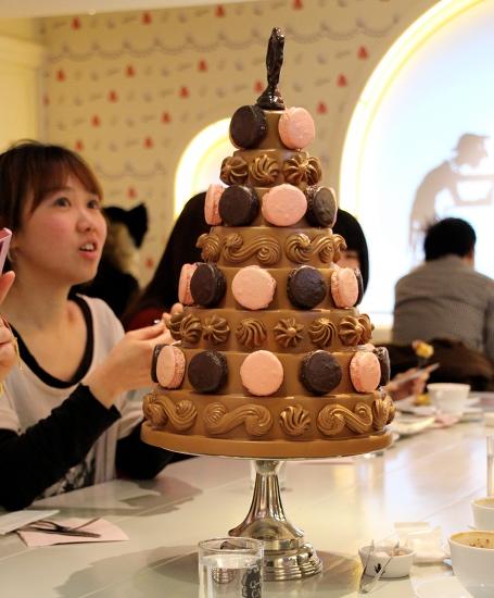 2013-04-12-Huffgirlandcakes.JPG