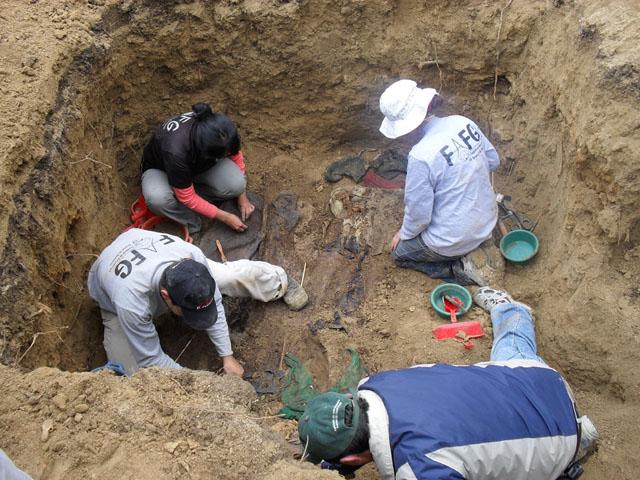 2013-04-14-Exhumation.jpg