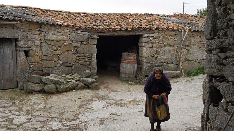 2013-04-15-oldwoman.jpg