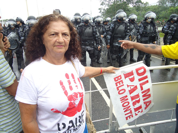 Antonia Melo protesting, by Ruy Marques Sposati
