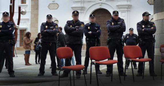 2013-04-16-Policiasrodeanlaasambleadeextremadurathumb.jpg