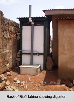 2013-04-16-biofil_latrine_back3.jpg