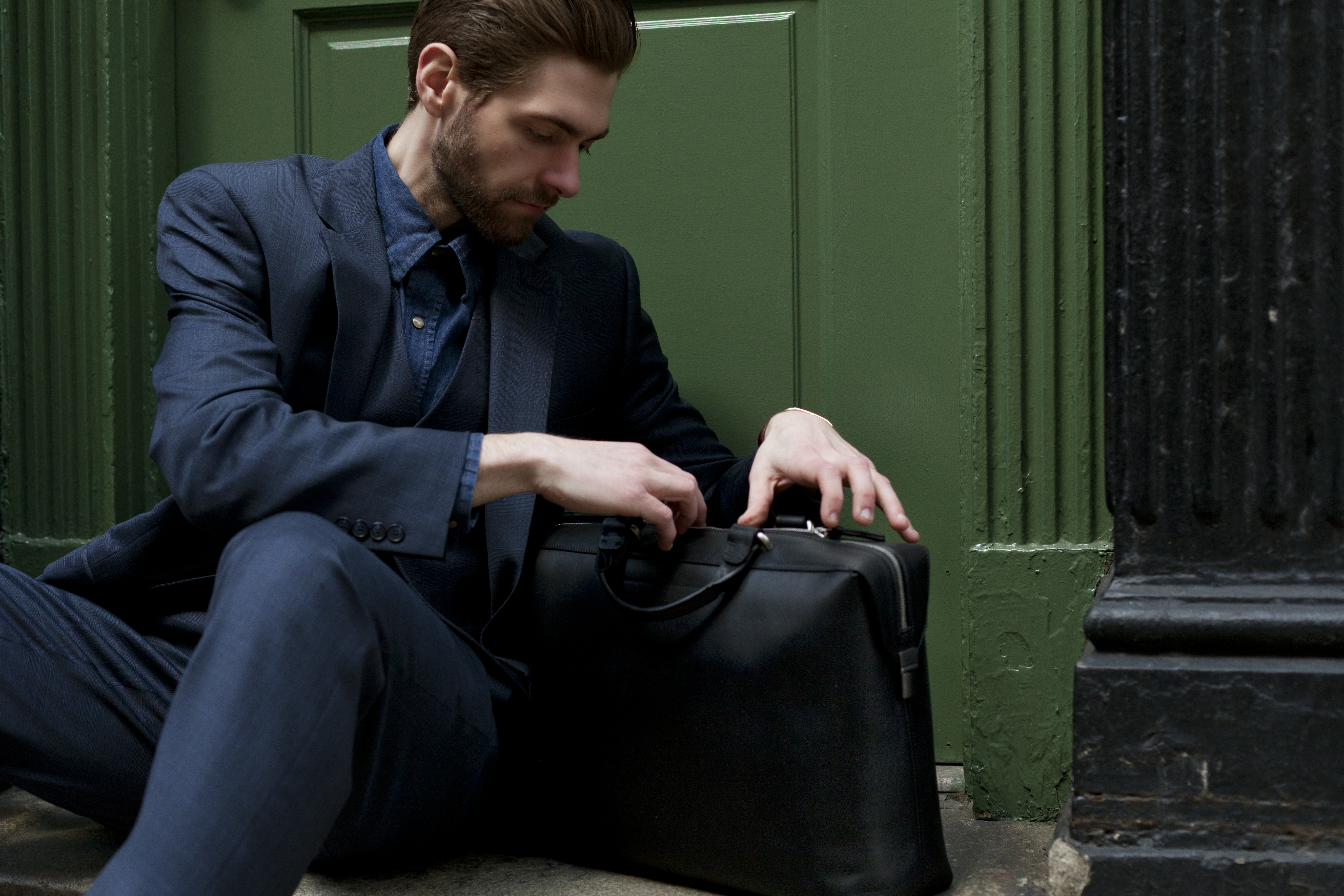 What's Trending? Men With Bags! | HuffPost