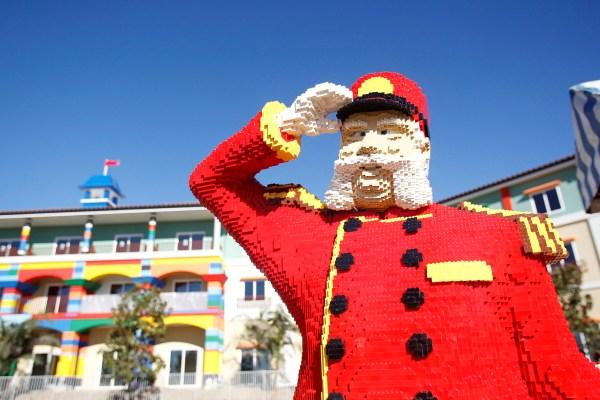 2013-04-19-HuffPo_Lego1.JPG