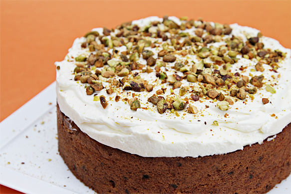 2013-04-22-IMG_2865CarrotcakewithcurrantsandgingercrmefracheChantilly.jpg