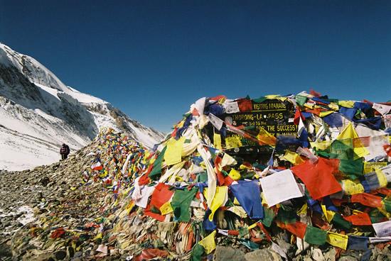 2013-04-22-nepalflags.jpg