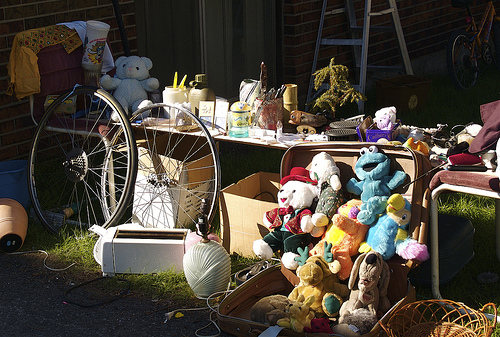 2013-04-30-garagesale.jpg
