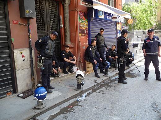 2013-05-01-ISTANBUL.SPRING.13.A201.JPG