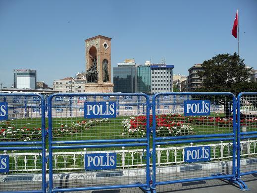 2013-05-01-ISTANBUL.SPRING.13.A258.JPG